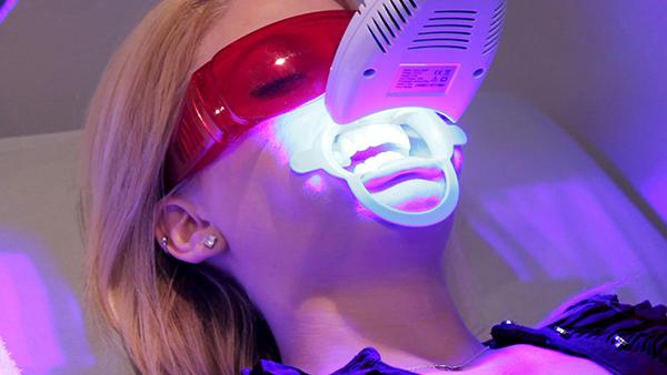 Tẩy trắng răng công nghệ Laser mới tại Nha Khoa LINH XUÂN