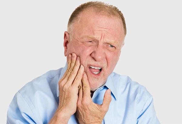 Các bệnh răng miệng thường gặp ở người lớn tuổi